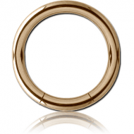 ZIRCON GOLD TITANIUM SMOOTH SEGMENT RING PIERCING
